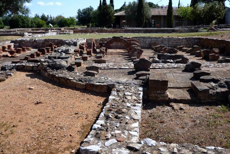 roman ruins cerro da vila